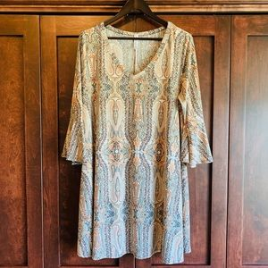 Gorgeous paisley knit dress with trumpet sleeves!